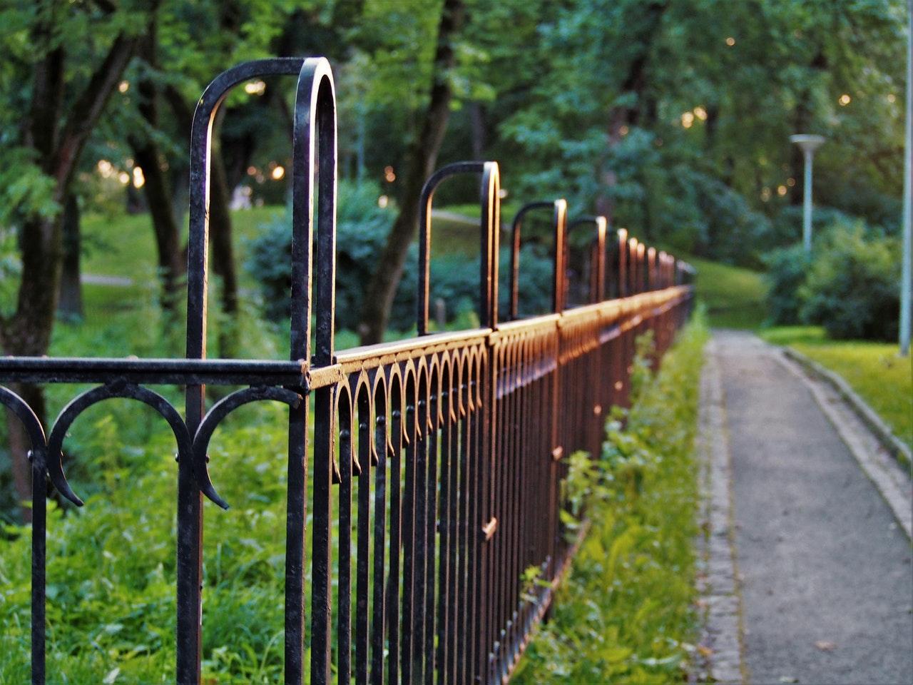 Wybór ogrodzenia do domu