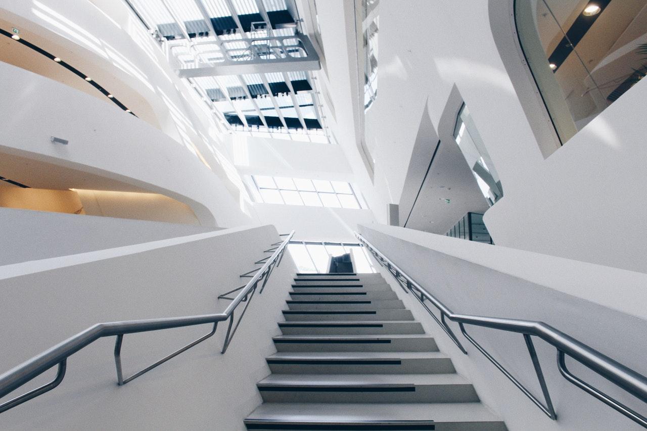 Cena schodów z betonu