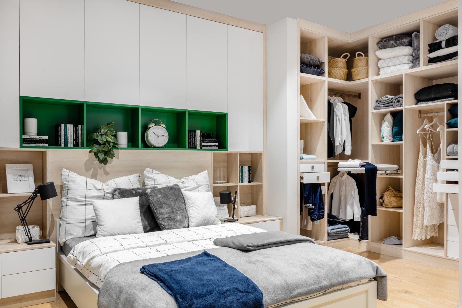 Jak wygospodarować w domu miejsce na garderobę?