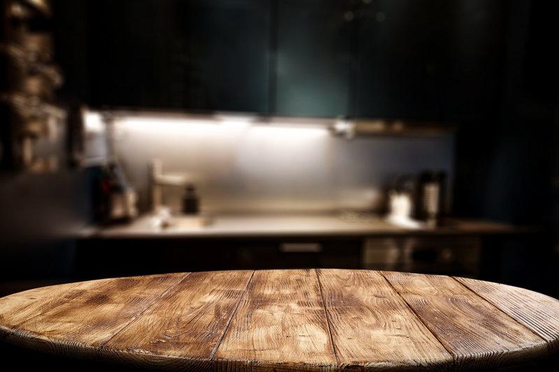 Małe stoły do niewielkiej kuchni