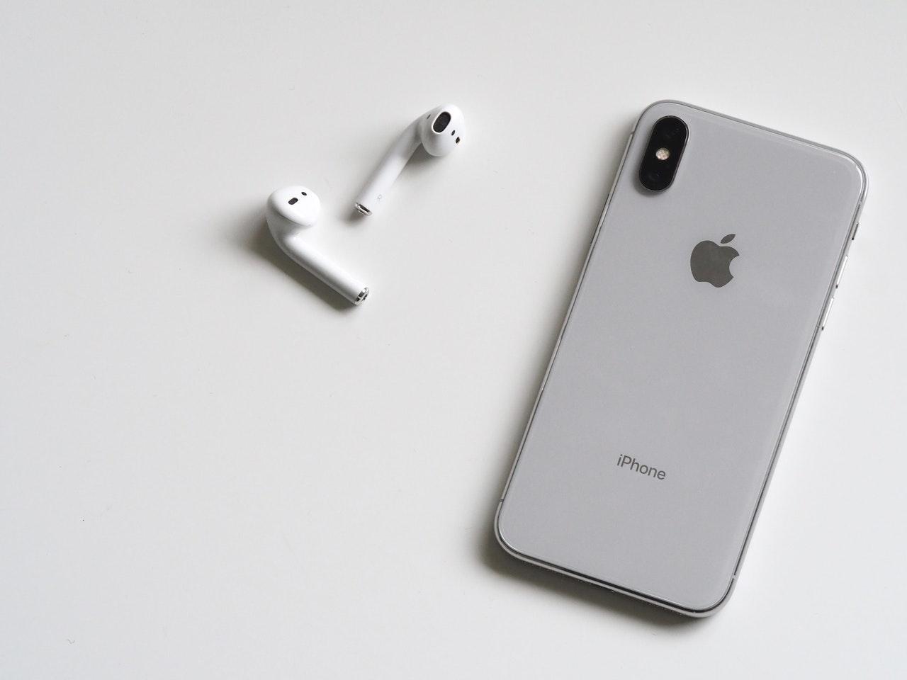 Gdzie można skorzystać z odpowiednio realizowanych napraw iPhone?